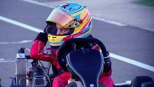طفل إماراتي في السادسة من عمره أصغر بطل سباقات سيارات في العالم