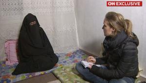 """فتاة سورية تروي لـ CNN قصة زواجها مكرهة من """"داعشي"""""""