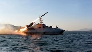 """كوريا الشمالية تختبر صاروخاً مضاداً للسفن """"فائق الدقة"""""""
