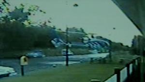 لحظة تحطم طائرة مروحية في لونغفورد بأيرلندا
