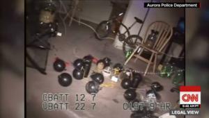 """العثور على فخاخ وقنابل داخل منزل جيمس هولمز مرتكب مذبحة سينما """"أورورا"""""""