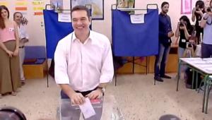"""بالفيديو.. انتخابات اليونان.. حزب """"الديمقراطية الجديدة"""" يقر بخسارته أمام """"سيريزا"""""""
