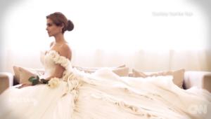 بالفيديو.. ياسمين يايا... مصممة مصرية سحرت العالم بفساتينها