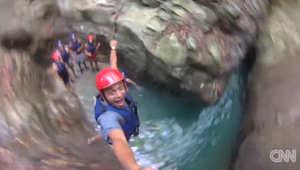 بالفيديو.. مغامرة مثيرة.. عليك القفز من هذه الشلالات لاكتشافها
