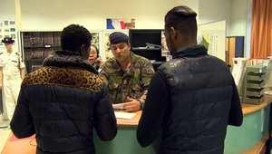 بالفيديو.. مراكز التجنيد في فرنسا تزدحم براغبي الانضمام للجيش