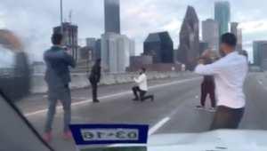 بالفيديو: شاب يواجه السجن بعد تقدمه للزواج من حبيبته.. بطريقة غير اعتيادية