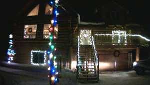 شاهد: أضواء زينة عيد الميلاد يتحكم بها العالم بأكمله