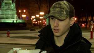 طالب أمريكي يتخلى عن هدايا عيد الميلاد ويتبرع بقيمتها لإطعام ورعاية المشردين
