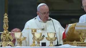 البابا فرانسيس محتفلاً بعيد العائلة المقدس: الفرح الحقيقي ليس وليد الصدفة وإنما ثمرة التعاضد في الحياة