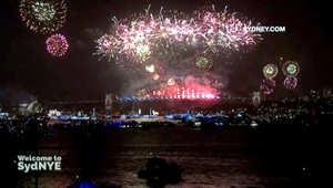 شاهد.. سيدني تحتفل بدخول العام الجديد بعرض رائع للألعاب النارية