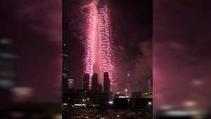 بالفيديو: ألعاب نارية رائعة تنطلق من برج خليفة في دبي