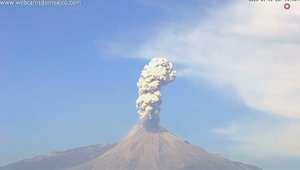 """شاهد.. لحظة ثوران بركان """"كوليما"""" في المكسيك"""