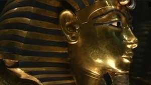 """بالفيديو: """"كسر ذقن"""" توت عنخ آمون تتسبب بمقاضاة 8 من موظفي متحف القاهرة"""