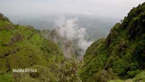 التقط أنفاسك في جولة بين جبال سيميان الإثيوبية.. مناظر خلابة وحيوانات نادرة