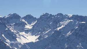 جبال الأطلس بالمغرب.. مناظر طبيعية وحياة مختلفة