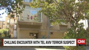 بالفيديو: أحد منفذي هجوم تل أبيب اختبأ بين الحشود.. ليلجأ إلى بيت شرطي إسرائيلي