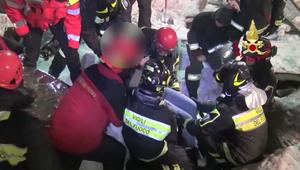 إنقاذ ناجين من انهيار جليدي مميت في إيطاليا