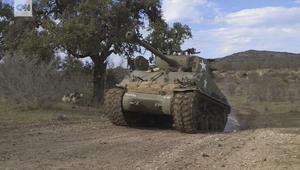 جرب قيادة دبابة من الحرب العالمية الثانية في هذا المكان