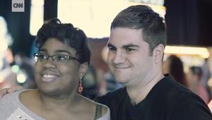 قصة حب لثنائي مصاب بالتوحد: نحن أكثر روعة معا