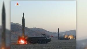 لحظة إطلاق كوريا الشمالية صواريخ بالستية