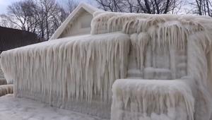 أهلا بكم إلى منزل الجليد