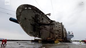 انتشال العبارة سيول بعد 3 سنوات من غرقها ومقتل أكثر من 300 شخص