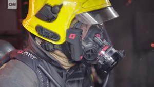 قناع يسمح لرجال الإطفاء بالرؤية وسط الدخان