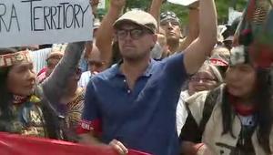 دي كابريو يقود مظاهرات ضد ترامب بسبب المناخ