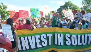 مظاهرات في عدة مدن أمريكية ضد انسحاب ترامب من اتفاقية المناخ
