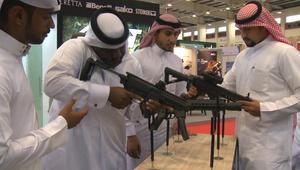 شاهد.. بنادق ورشاشات إماراتية الصنع بمعرض البحرين العسكري