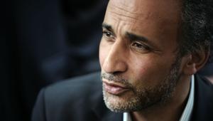 طارق رمضان حفيد مؤسس الإخوان بإجازة بعد مزاعم اغتصاب