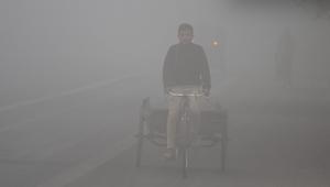 شاهد.. تنشق الهواء في ديلهي يساوي تدخين 44 سيجارة