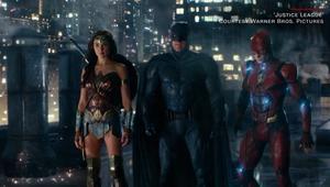 """فيلم يجمع الأبطال الخارقين.. هل تلحق """"دي سي"""" بـ """"مارفيل""""؟"""