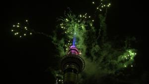 شاهد.. نيوزيلندا أول المحتفلين بالعام 2018