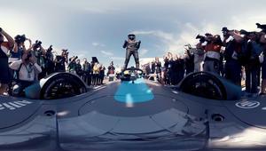 بتقنية 360 درجة.. جولة من خلف مقود سيارة فورمولا 1