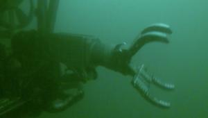 المركبة ROV تحت الماء