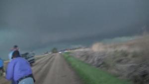 إعصار مخيف يجتاح ولاية نبراسكا  الأمريكية