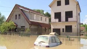 عشرات الضحايا وآلاف المشردين في طوفان يغرق البلقان
