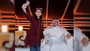 سيلفي وعرضة وسيف وخيول في زيارة الملك سلمان إلى قطر