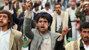 """الحوثيون يحاصرون صنعاء.. تحذيرات خليجية للحوثي وهادي يستنفر """"الطوق الأمني"""" للقبائل"""