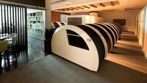 """يمكنك الآن أخذ قيلولة في """"كبائن النوم"""" بمطار دبي الدولي"""