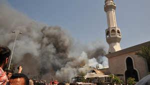 دخان من موقع الانفجار بمسجد التقوى في طرابلس