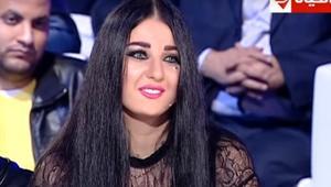 """الأوقاف ترد على فيديو أظهر صافيناز """"ترقص"""" على شاشة فوق مسجد بمصر"""