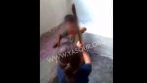 لبنان: توقيف والد طفل صُوّر يعذّب ولدا سوريا.. وجدل مذهبي حول الفيديو