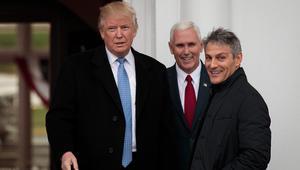 """ترامب يقتطع من وقت تشكيل الإدارة لمقابلة """"ملك هوليوود"""".. فما الهدف؟"""