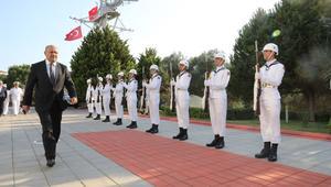"""تركيا: مطلب إغلاق قاعدتنا العسكرية في قطر إن وُجد سيمثل """"تدخلاً"""" في العلاقات الثنائية"""