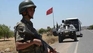 """أمريكا تعلّق على زحف الجيش التركي نحو حدود سوريا بتأكيد """"عدم ضرورة"""" المنطقة العازلة.. وأوغلو يحذر"""