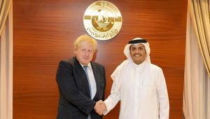 """وزير خارجية بريطانيا في قطر.. والدوحة: محمد بن عبدالرحمن عرض عليه """"الإجراءات غير القانونية"""""""