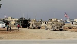 عربات عسكرية أمريكية تجوب شوارع منبج بسوريا