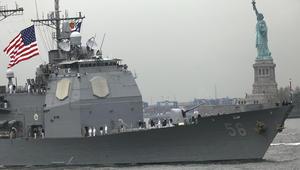 بعد ساعات على صفقة الطائرات.. سفينتان حربيتان أمريكيتان في قطر